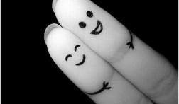 des-doigts-amis